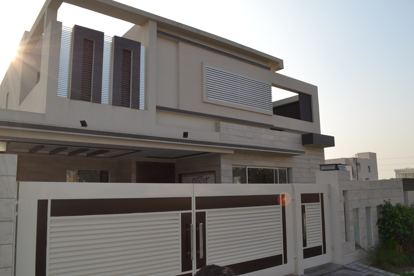 01 KANAL AWESOME BRAND NEW HOUSE FOR SALE IN DHA PHASE 6