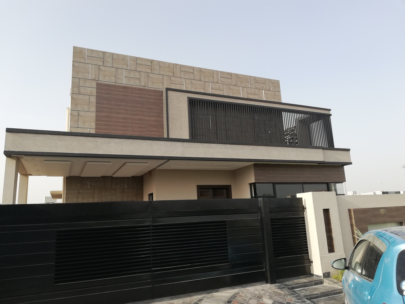 01 KANAL LUXURY BRAND NEW HOUSE FOR SALE IN DHA PHASE 6