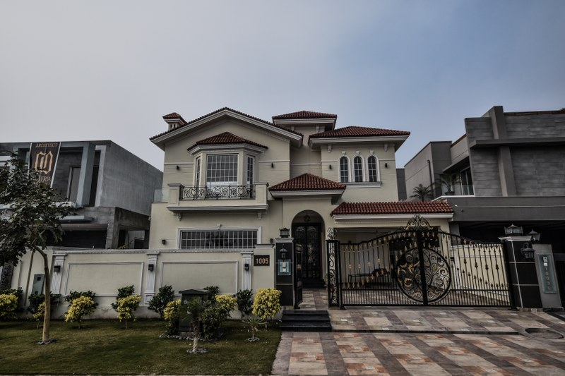 BRAND NEW LUXURY HOUSE AVAILABLE FOR SALE IN DHA PHASE 6