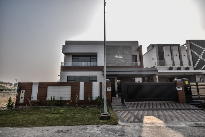 01 KANAL BRAND NEW HOUSE AVAILABLE FOR SALE
