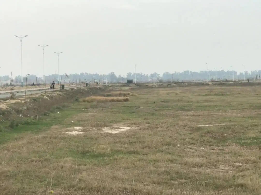 X-1209 Prime Location 10 Marla Plot in DHA Phase 7 For Sale